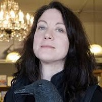 Helen Macdonald, author of Vesper Flights